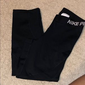 cropped nike pro leggings